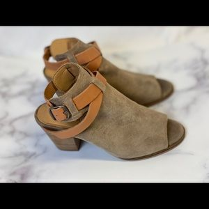 Lucky brand Bray open toe ankle.